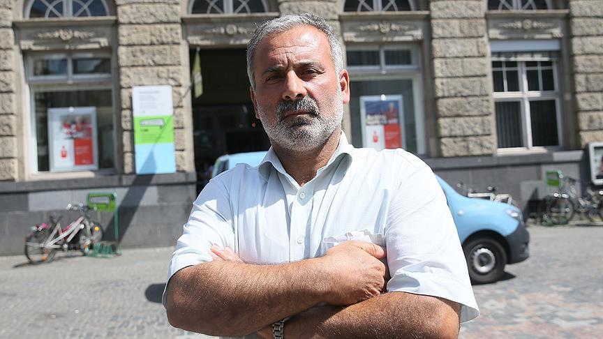 Berlin'de yolda bulduğu altınları polise götüren Türk'e övgü