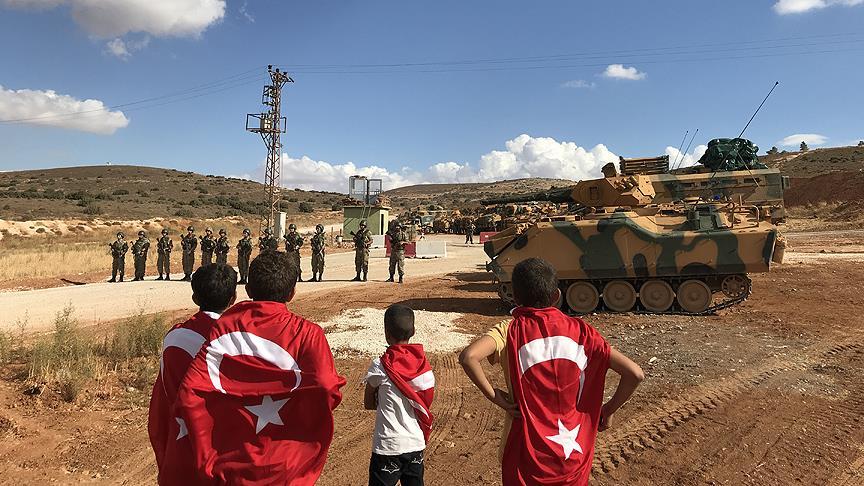 Sınırda Türk askerine destek