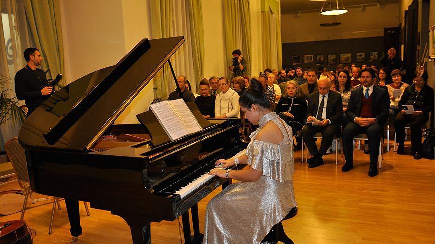 Budapeşte'de otizmli Türk piyanistten konser