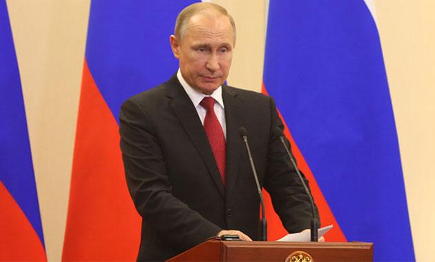 Putin 2018 Devlet Başkanlığı seçimlerine katılacağını açıkladı