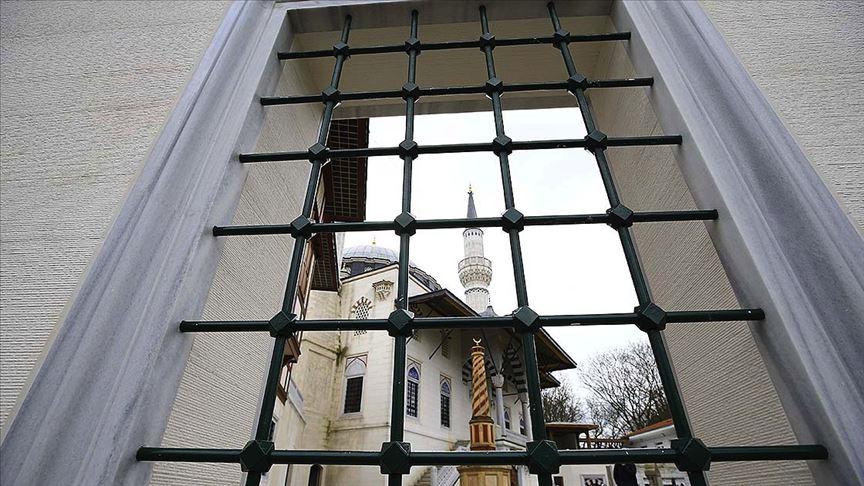 Avrupa'daki camilerde ezan okunmaya başlandı