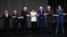 Trump Güneydoğu Asya Uluslar Birliği ile el sıkıştı