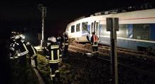 Almanya'da yük treni ile yolcu treni çarpıştı