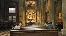 Almanya'da bir kilisede 40 kişiye Kovid-19 bulaştı