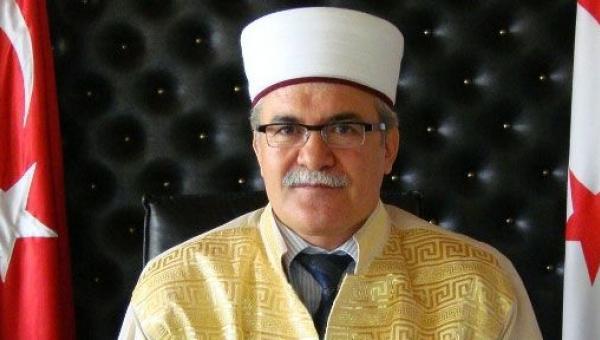 KKTC Din İşleri Başkanı'na FETÖ iddiası ile gözaltı