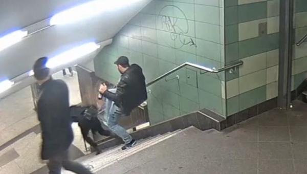 U-Bahn Tekmecisine 3 yıl Hapis