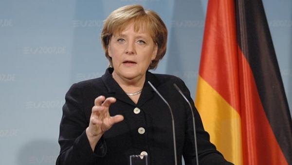 Merkel'den Türkiye'ye Dair Açıklama