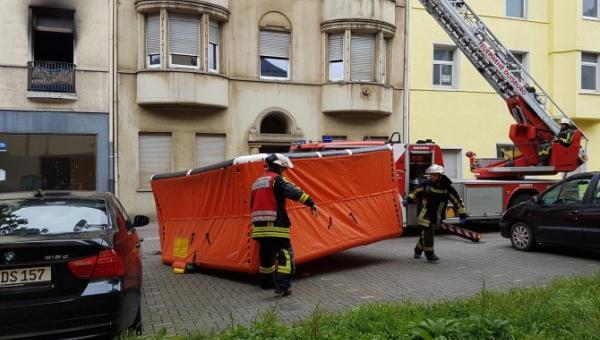 Duisburg'da Türklerin De Yaşadığı Binada Yangın