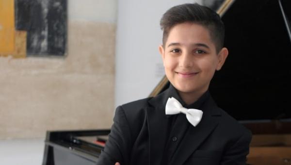 Üsküplü genç piyanistin Türkiye sevgisi duygulandırdı