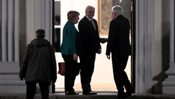 Hristiyan Birlik partileri koalisyon görüşmeleri için SPD'yi bekliyor