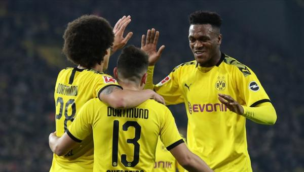 Borussia Dortmund, Eintracht Frankfurt'u 4-0 eledi