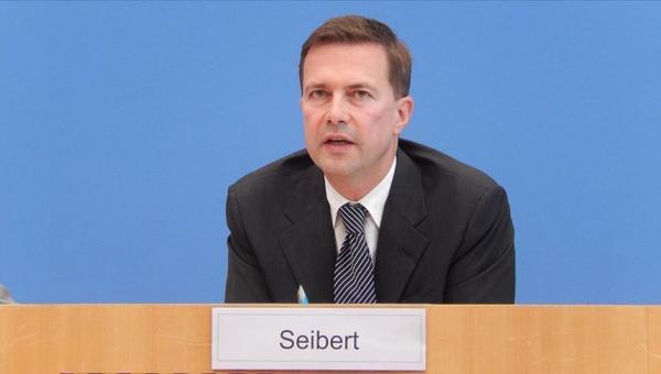 Seibert: Camilere saldırılar iğrenç