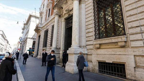 İtalya Avro Bölgesi'nden ayrılmıyor