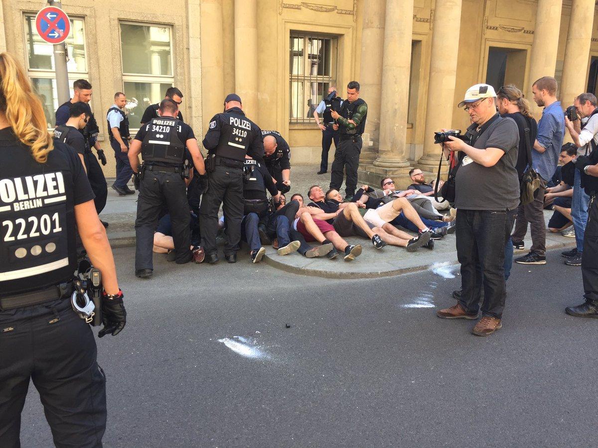 Berlin'de aşırı sağcılardan Adalet Bakanlığı'na baskın girişimi