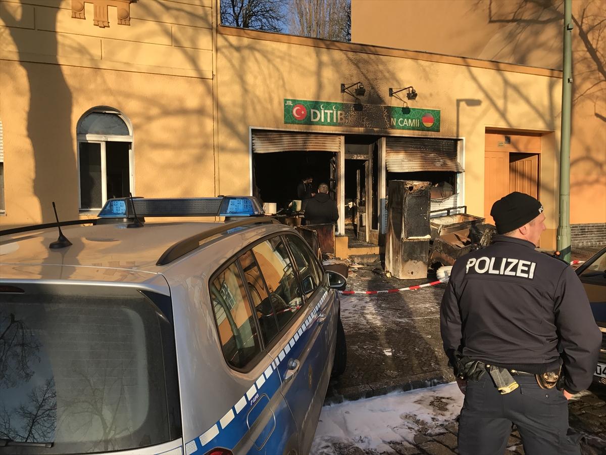 TERÖR - Berlin'deki cami saldırısı