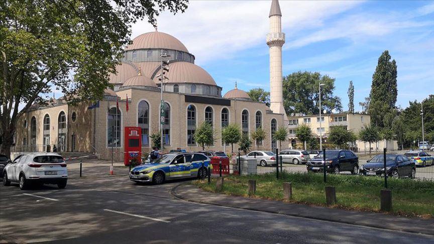 Almanya'da camiye bomba