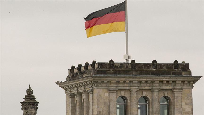 Almanya'da 467 Neonazi yer altına indi