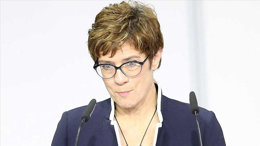 Almanya Savunma Bakanı'ndan Irak'a destek