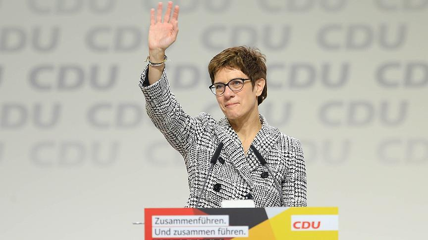 Merkel'in halefi Annegret Kramp-Karrenbauer