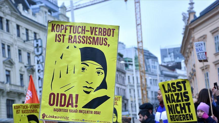 Avusturya'da başörtüsü yasak