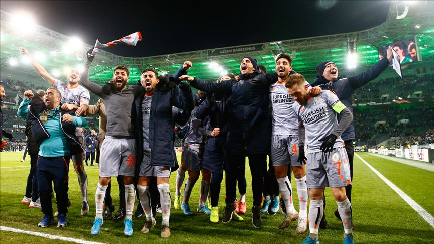 Başakşehir Avrupa Ligi'nde lider