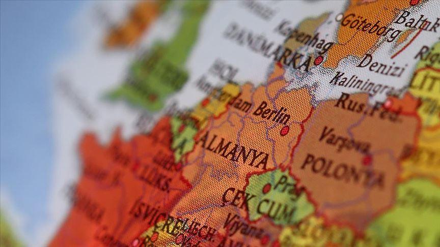 Almanya'da hamile başörtülüye saldırı