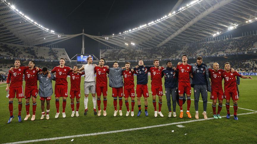 Bayern Münih lider