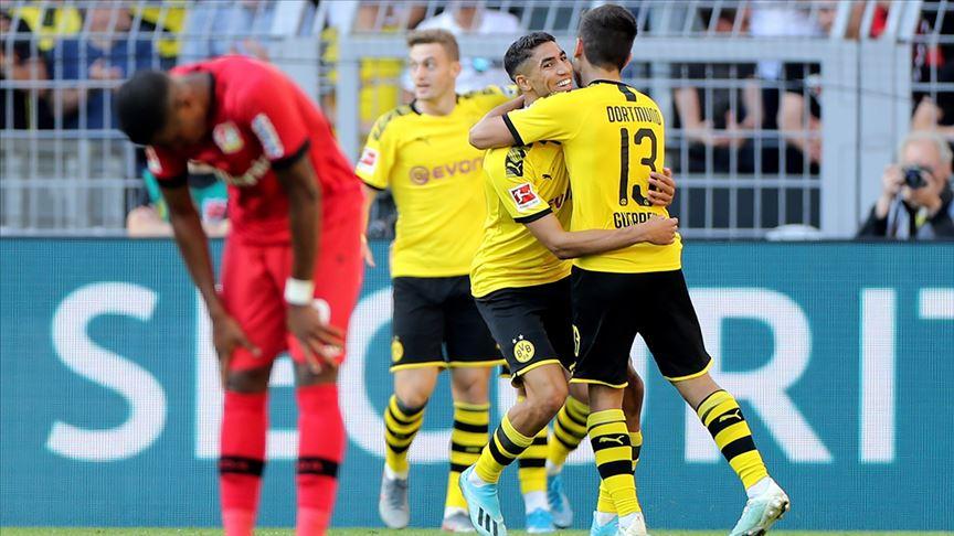 Borussia Dortmund Bayer Leverkusen'i geçti
