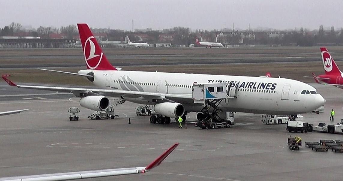 THY uçağından Berlin'e zorunlu iniş