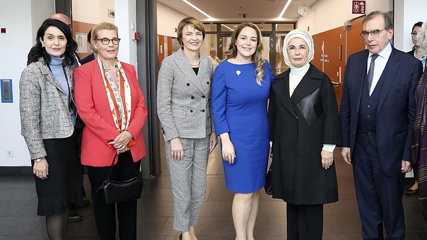 Emine Erdoğan, Berlin Charite Hastanesi'nde