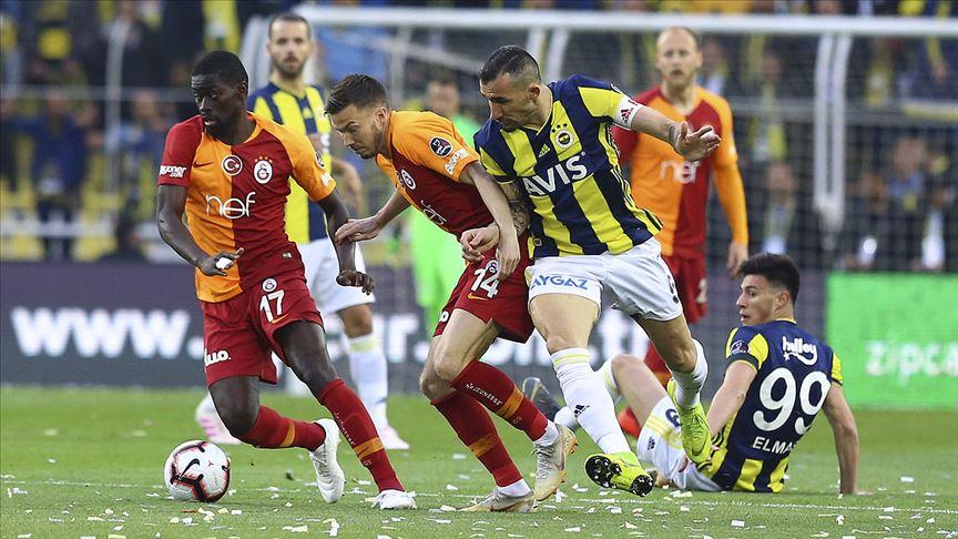 Fenerbahçe-Galatasaray derbisi başa baş