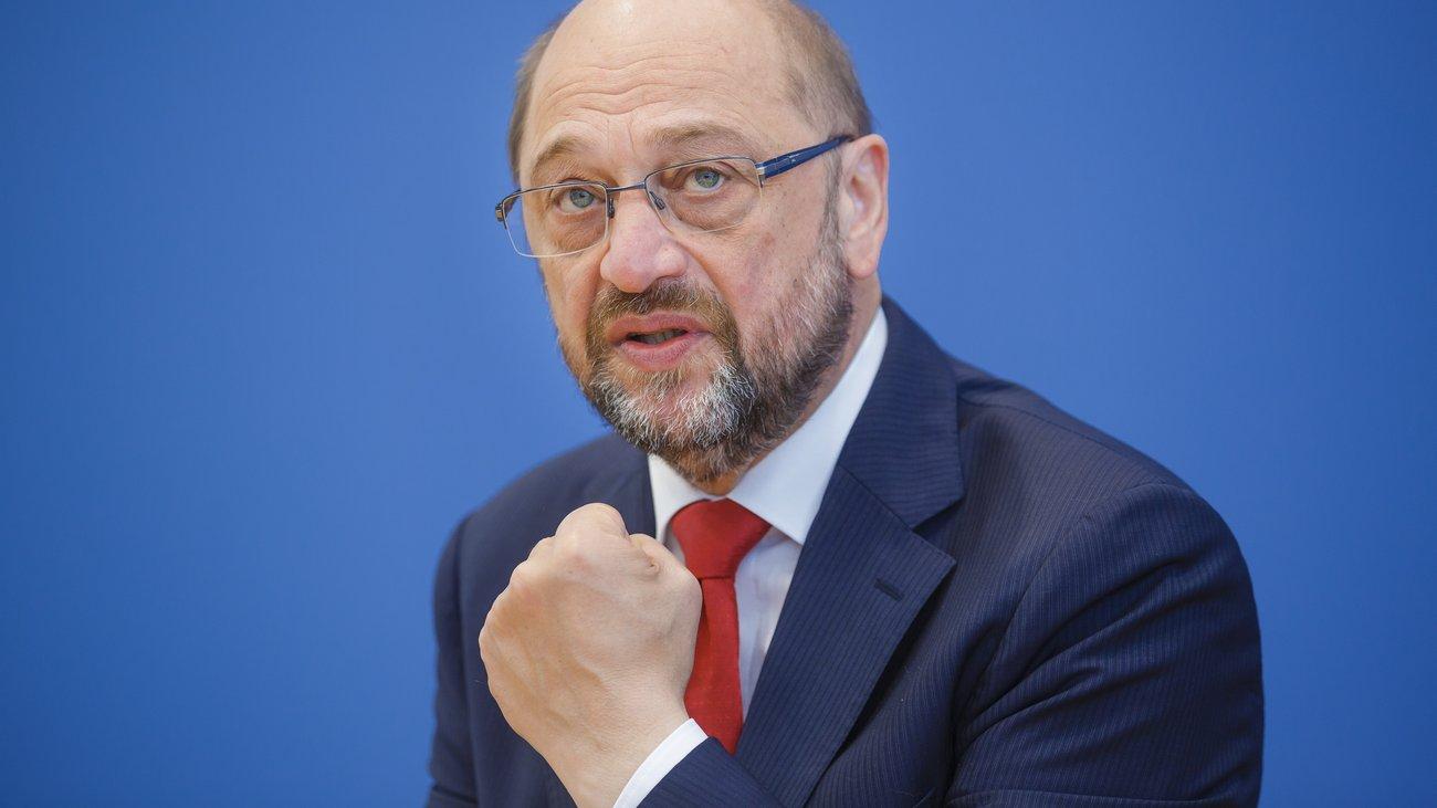 Schulz: Başbakan olsaydım İncirlik için çoktan alternatif aranırdı