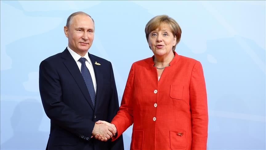 Putin ve Merkel Suriye'yi görüştü