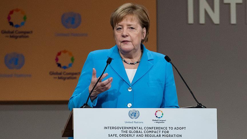 Merkel'den göç çağrısı