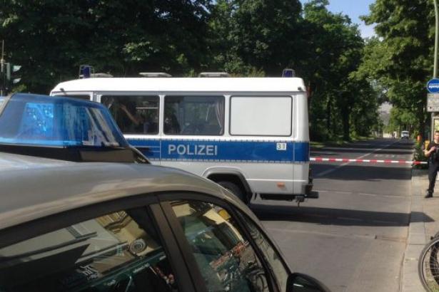 Berlin'de bombalı araç alarmı: Ekipler bölgeye gönderildi