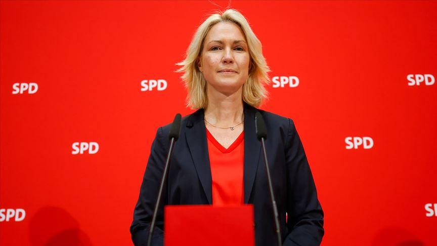 Schwesig SPD genel başkanlığını terk etti