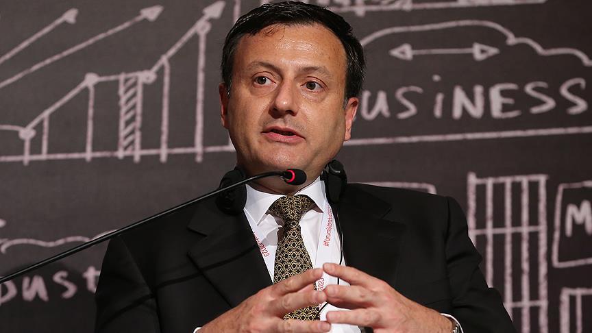 Türkiye'de büyümenin hızlanarak devam etmesini bekliyoruz