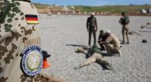 Almanya peşmergelerin eğitimine ara verdi