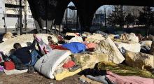 Paris Belediyesi'nden sığınmacılara karşı kayalı önlem