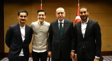 Mesut Özil: Yine de o fotoğrafı çektirirdim