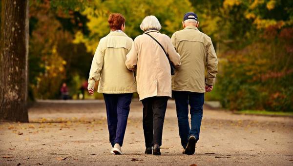 2050'de her 6 kişiden biri 65 yaş ve üzeri