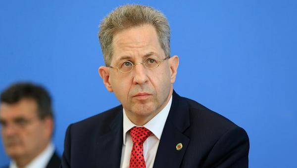 Almanya'da görevden alınan istihbarat başkanının emekliliği istendi
