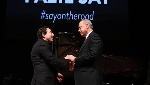 Erdoğan Fazıl Say'ı izledi