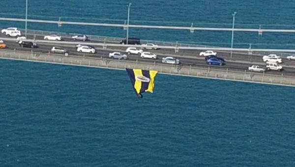 Köprüdeki Fenerbahçe bayrağını kesenlere gözaltı