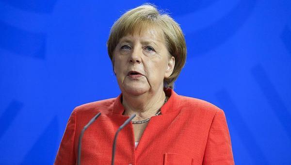 Merkel'den 'İran'ın saldırgan eğilimlerine' karşı tedbir çağrısı
