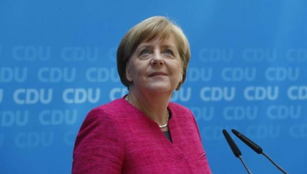 Merkel'den İncirlik açıklaması: Alternatiflerden biri Ürdün