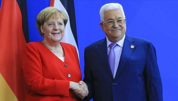 Merkel: Filistinliler daha iyi yaşamalı