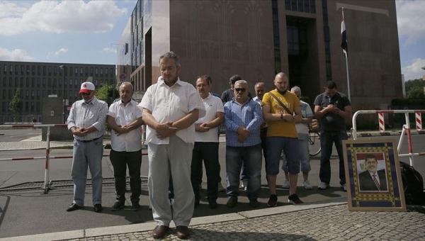 Berlin'de Mursi için gıyabi namaz