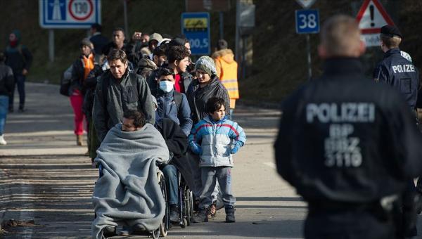 Almanya'da sığınmacılara karşı geçen yıl 2 bin suç işlendi