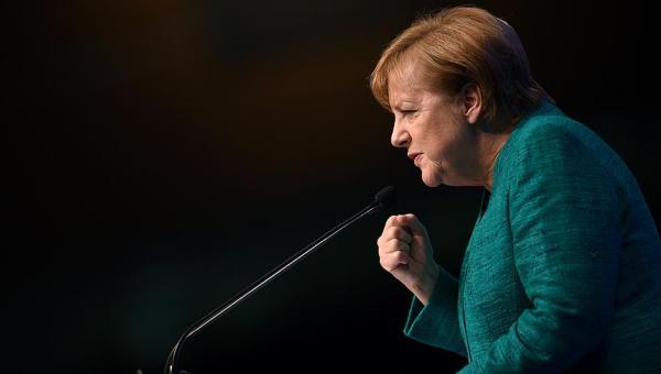 Merkel'den koalisyon için uzlaşma çağrısı
